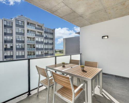 Best studio and apartment rental accommodation near the Sydney Airport and Positioned in the perfect location of Wolli Creek near the Brighton Beaches and Sydney CBD.